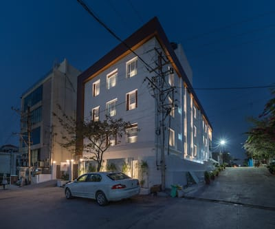 Skyla Service Apartments Huda Heights - Guest House,Hyderabad