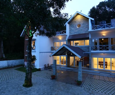 Crayons Guest House,Munnar