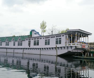 King Paradise Houseboat,Srinagar