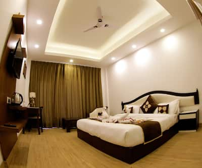 Hotel Kamakshi Grand By Royal Collection, Picture Palace Road,