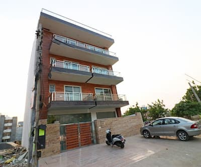 Capital O 37900 Golf Course Sapphire,Gurgaon