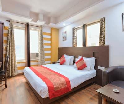Hotel La Vista, Karol Bagh,