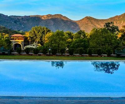 The Royal Retreat Resort and Spa, Fateh Sagar Lake,