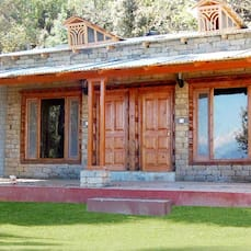 Chevron  Mountain Villa, Kausani