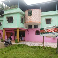 Hotel Kingfisher, Neil