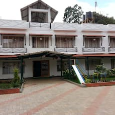 Hotel Sapphire Grand, Ooty