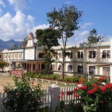 1 Hotels in Munnar near Marayoor Sandalwood Forest with Airport