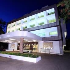 Abu Sarovar Portico A Hotel