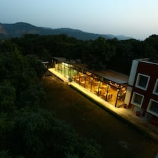 Safari Park resort, Corbett