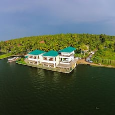 Kadavil Lakeshore Resort, Alleppey