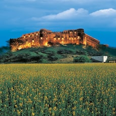 Neemrana Hill Fort Kesroli, Alwar