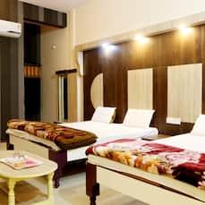 Hotel G K Jain, Guna