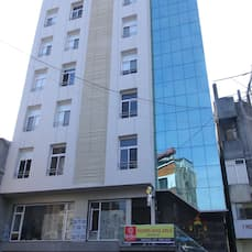 Hotel Sri Sri Executive Lodging, Kolhapur