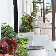 White Feather Toran Resort, Saputara