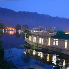 Peacock Houseboats, Srinagar