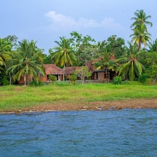 Vinnca Lake House, Kumarakom