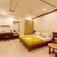 Hotel Woodland, Kolhapur