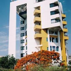 Hotel Maharaja Regency, Satara