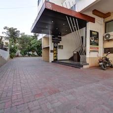 Hotel Savshanti Towers, Vadodara