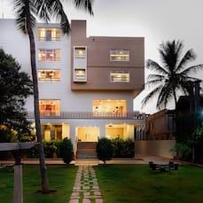 Hotel Priyadarshini Pride, Hampi