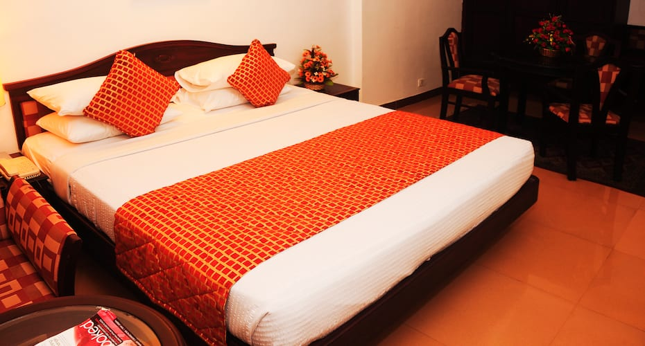 Golf View Hotel and Suites - Airport Hotel, Nedumbassery,
