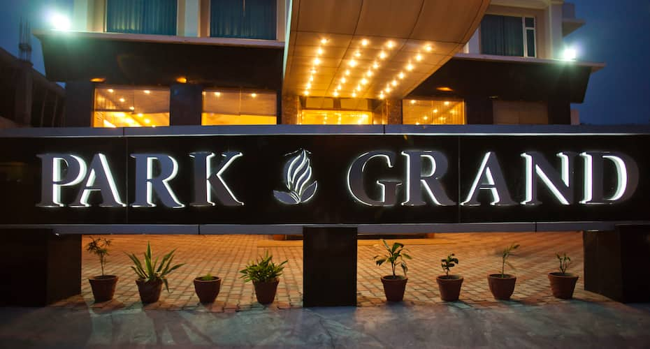 Park Grand Hotel, Kankhal Road,