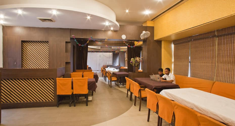 FabHotel RS Shripura, Hall Bazar,