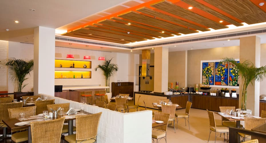 Lemon Tree Hotel, East Delhi Mall, Kaushambi, Mayur Vihar,