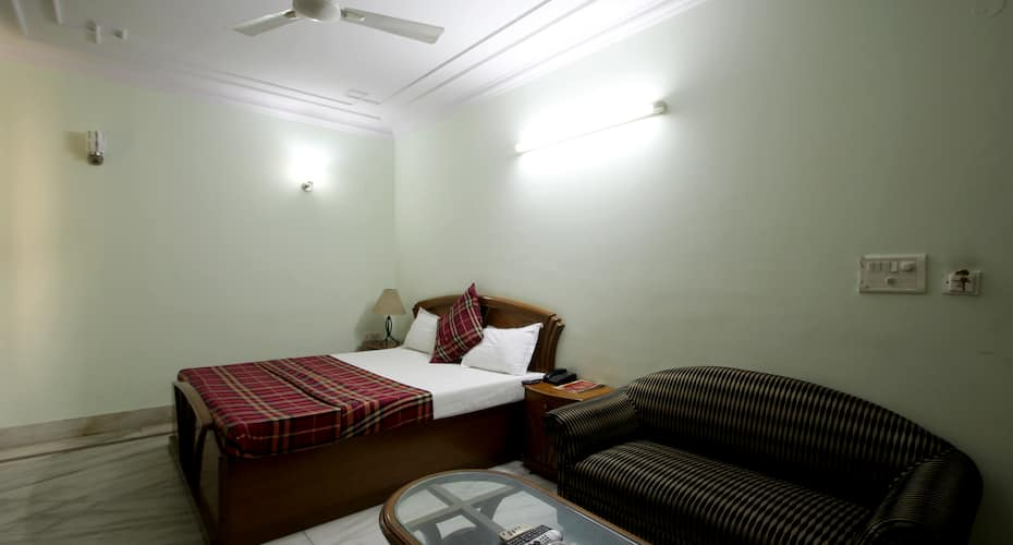 Hotel Pablas International, Karol Bagh,