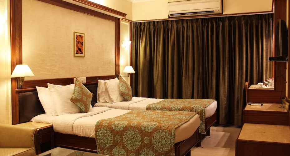 Hotel Regal Enclave, Khar,