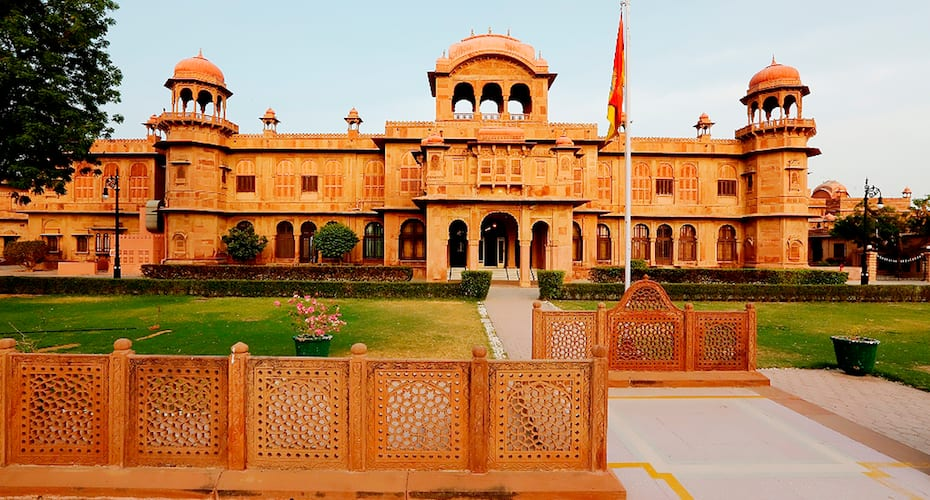 Hotel-Lallgarh-Palace-Heritage-Hotel-In-Rajasthan