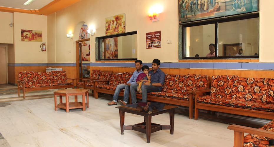 Hotel Kaustubh, Near Temple,