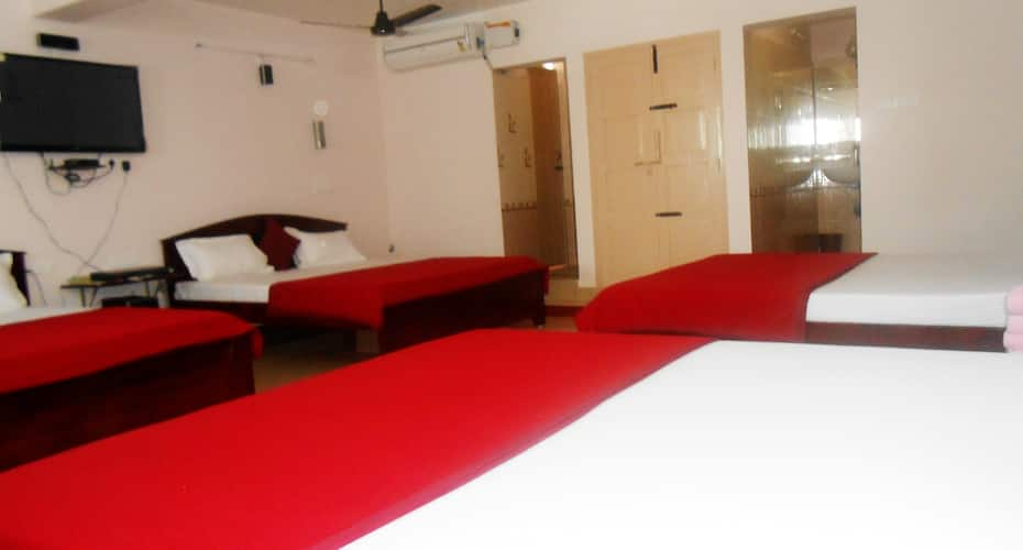 Hotel Nambi, Collector Office Road,