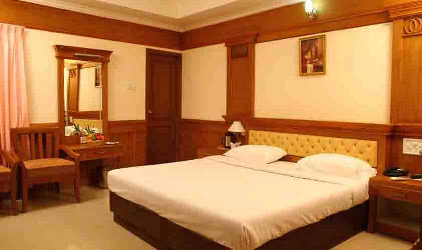 Hotel Grand E Muscat, Ashtamudi,