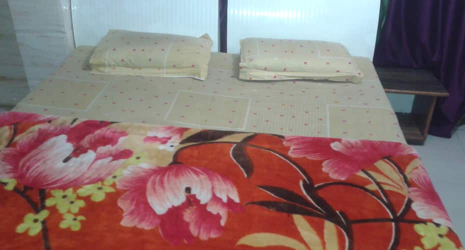 Vaishno Dham Guest House, Station Road,