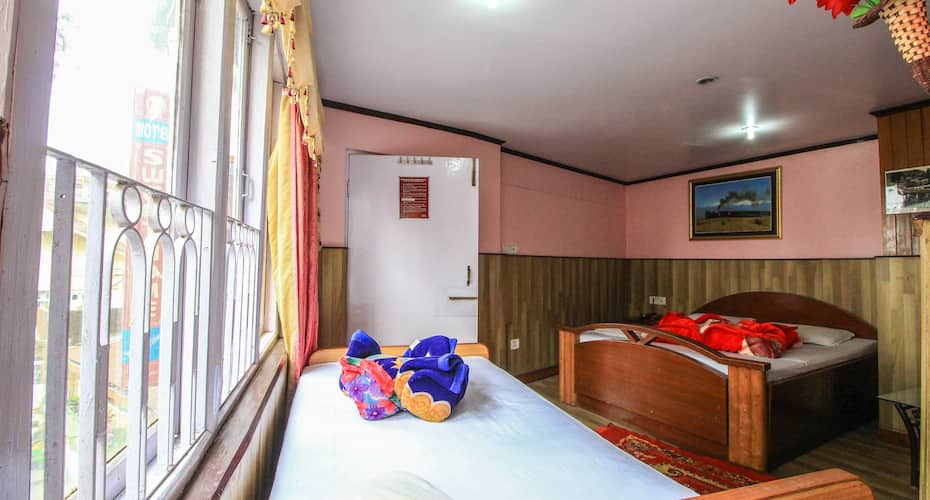 Hotel Sweet Home International, Gandhi Road,