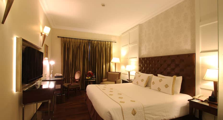 The Pllazio Hotel, Huda City Centre Metro Station,