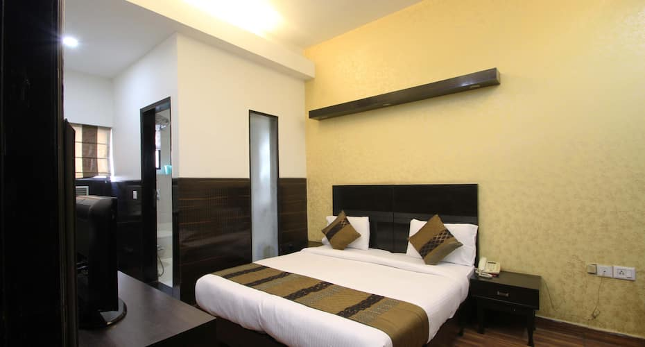 La O' La Boutique Hotel, Kailash Colony,
