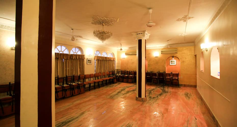 Hotel Executive Point, Gariahat,