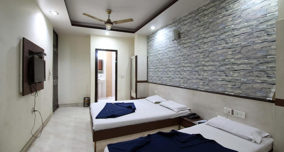 Hotel Twenty Twenty International, Paharganj,