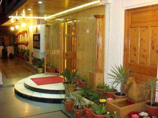 Hotel Chaman Palace, Mall Road,
