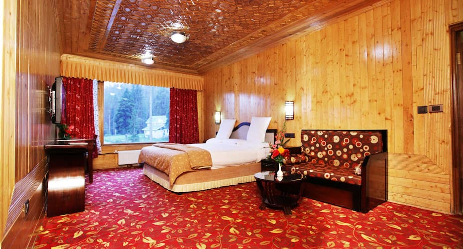 Grand Mumtaz Resorts, Near Gondola,