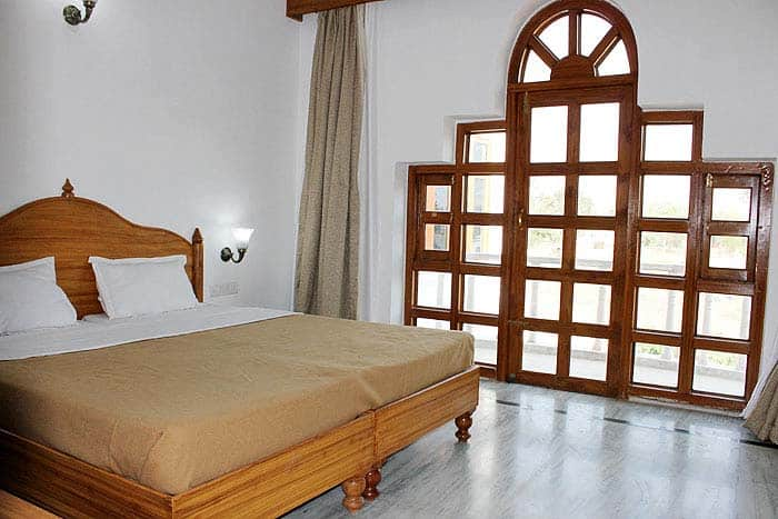 Hotel Isabel Palace, Airport Road,