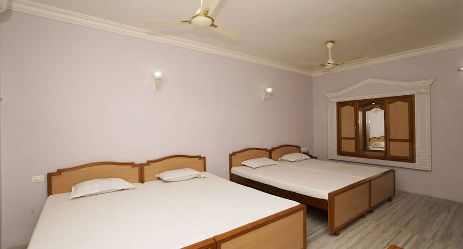 Hotel Sivamurugan, North car street,