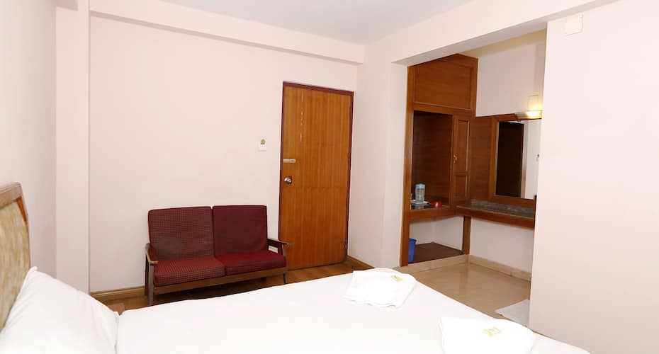 Hotel Blue Bird, Ooty - Book this hotel at the BEST PRICE