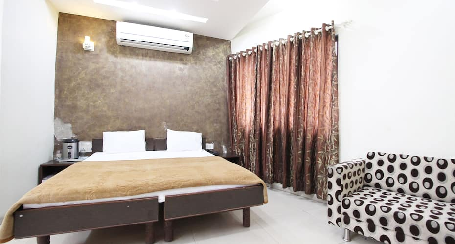 Hotel Radiant, off S.G. Road,