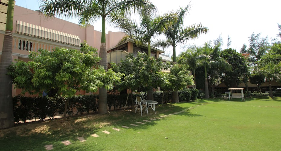 The Green Villa - Bed & Breakfast, Mahipalpur,
