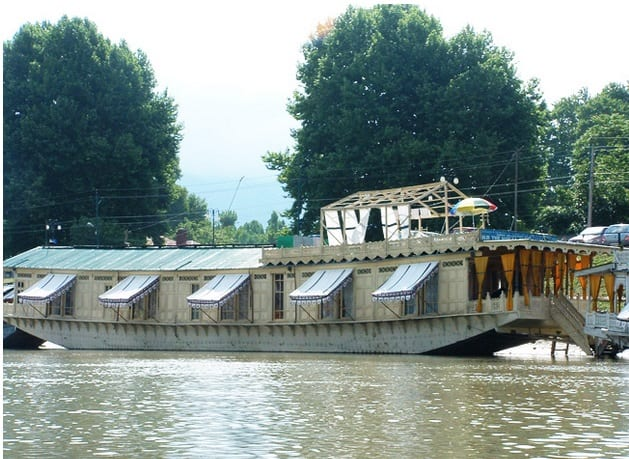 Shelter Group of Houseboats, Jhelum River,