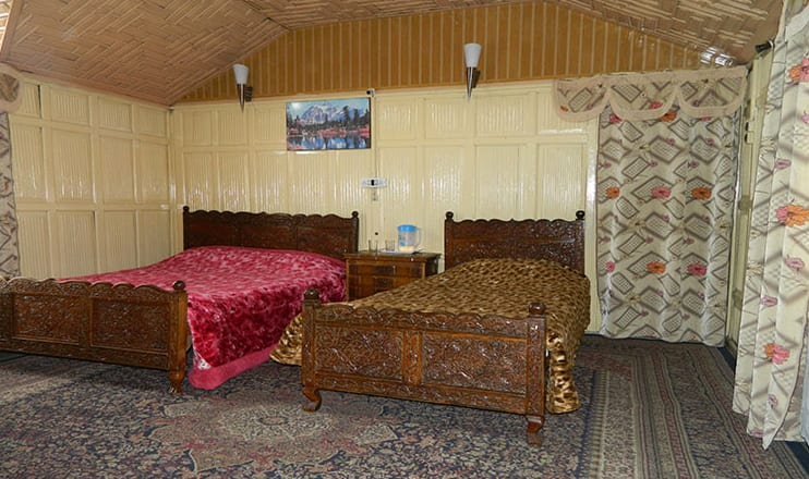 Royal Safina Houseboat, Dal Lake,