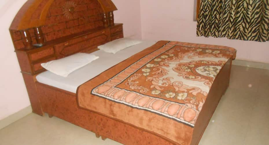Hotel Ambey Palace, Near Pushkar Bus Stand,